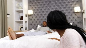 Couple arguing with each other in bedroom 4k