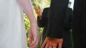 Groom and bride holding there hands 4K 4k