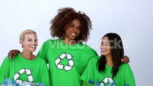 Women wearing green ecologic tshirt